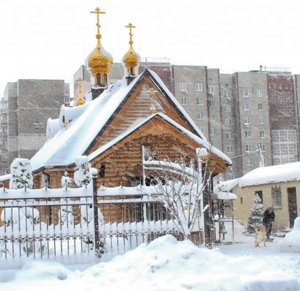 Снег в Донецке: и радость, и беда (фоторепортаж)
