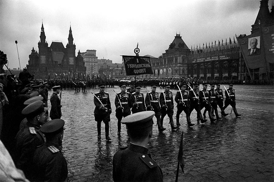 Первый Парад Победы. Как это было (фото, видео)