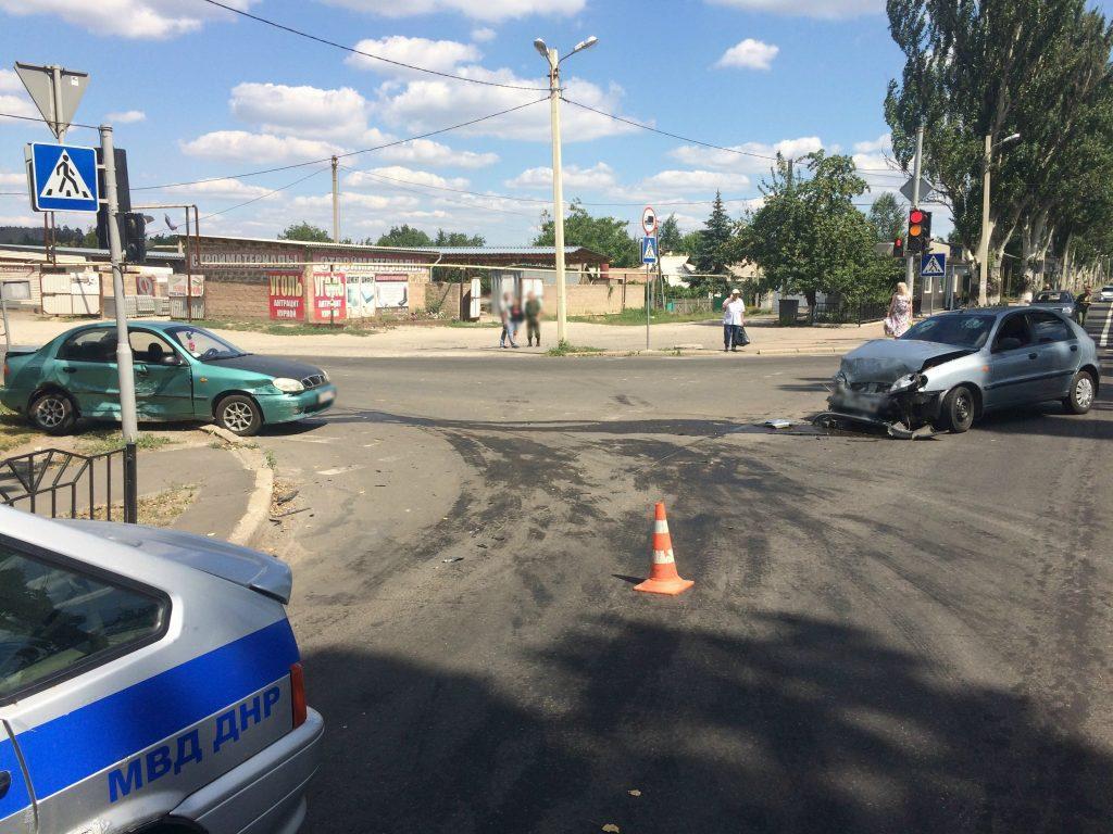 За минувшие выходные в ДНР зафиксировано 9 ДТП с пострадавшими