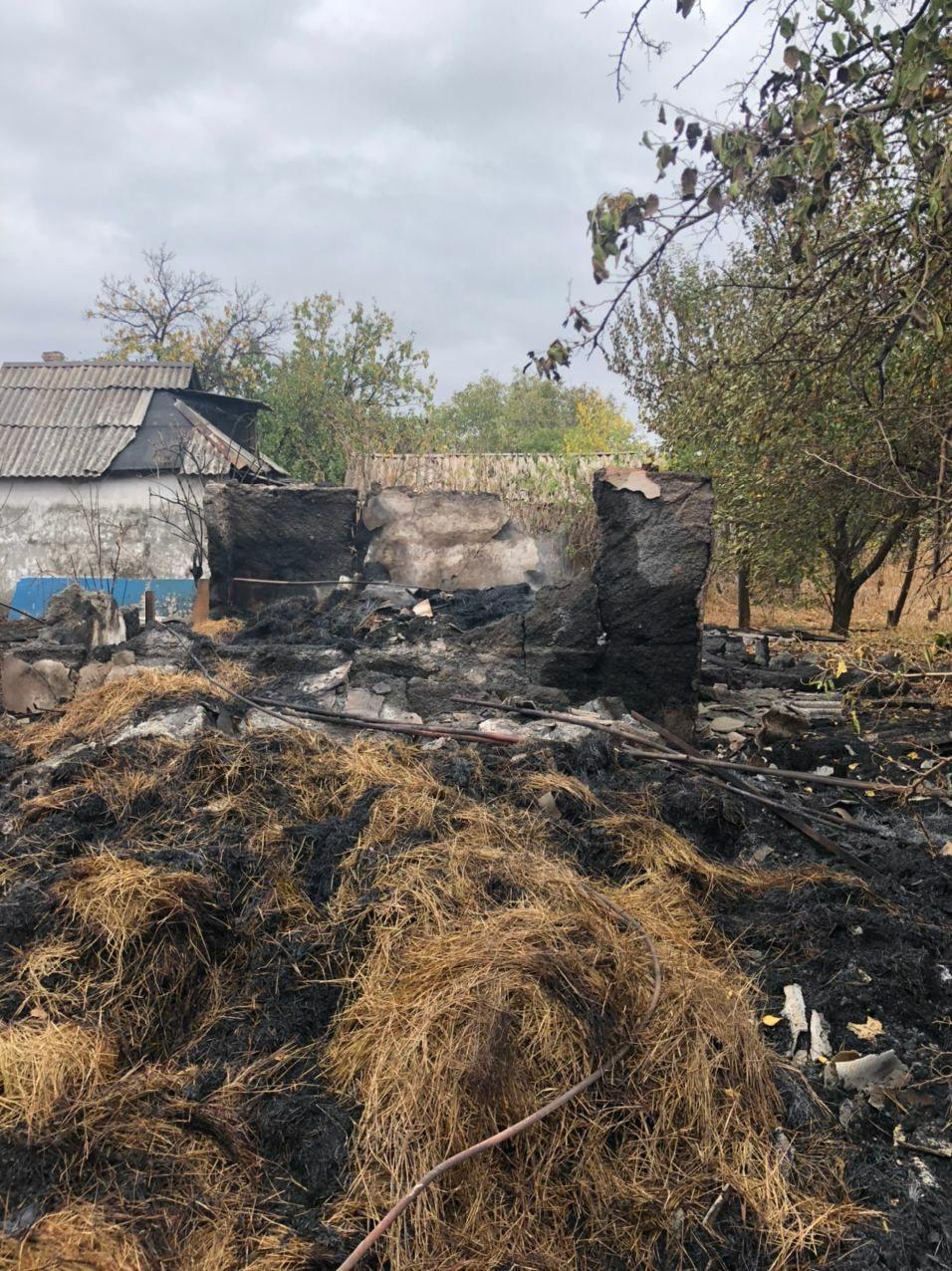 В Горловке из-за обстрела сгорел дом