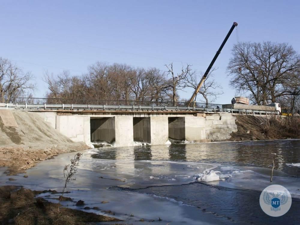 Ремонт Амвросиевского моста близится к завершению