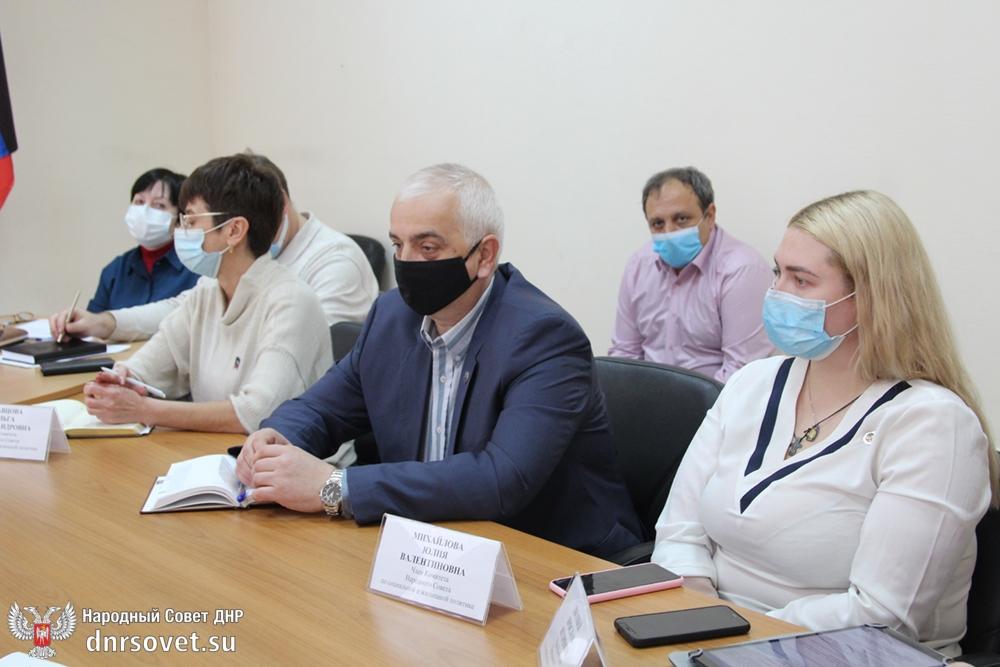 Депутаты продолжили работу над законодательством в сфере трудовых отношений