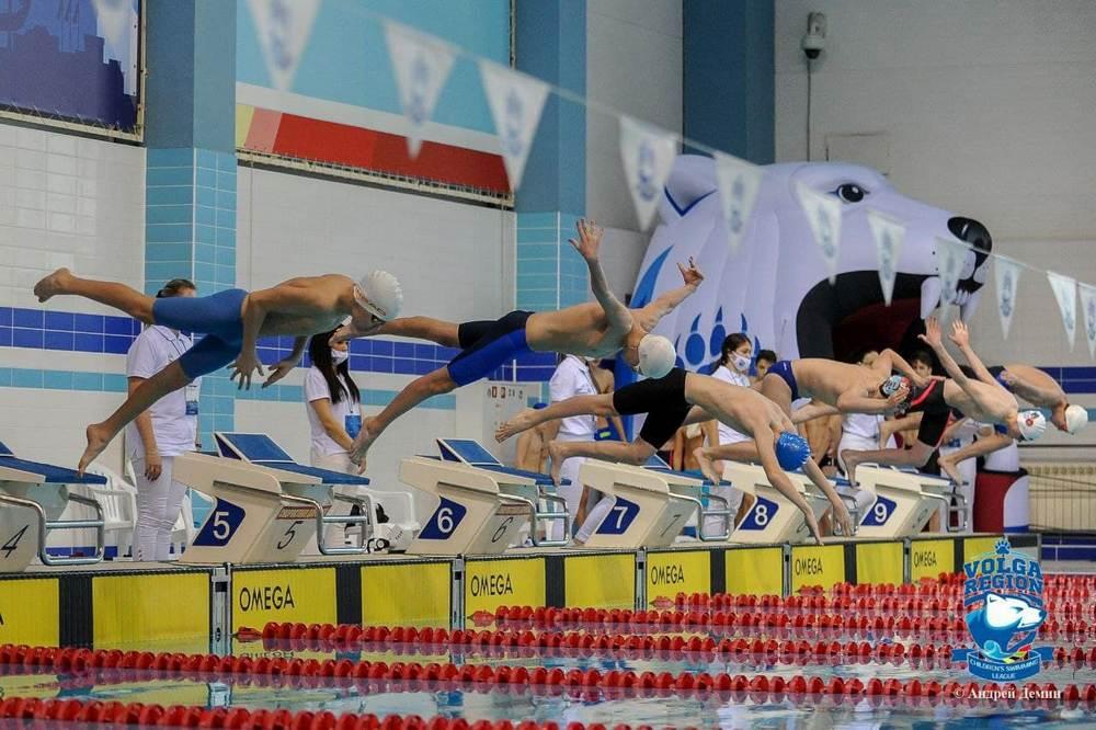 Пловцы ДНР взяли золото на соревнованиях в Казани