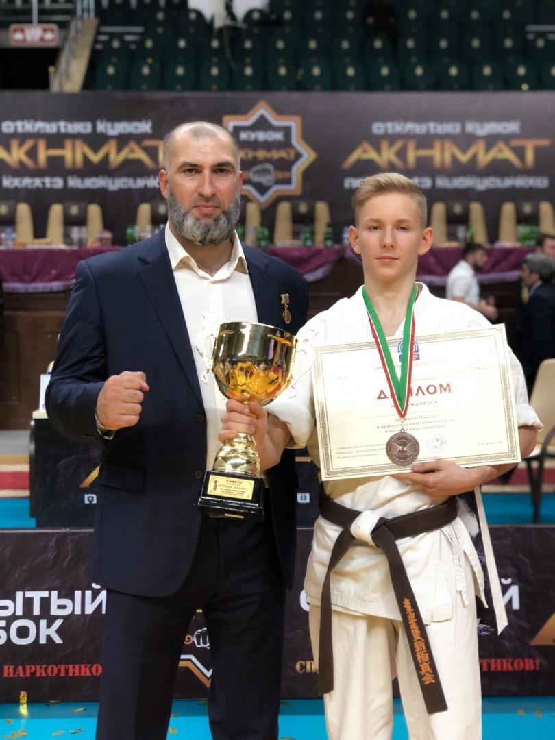 Каратист ДНР взял серебро на соревнованиях в Грозном