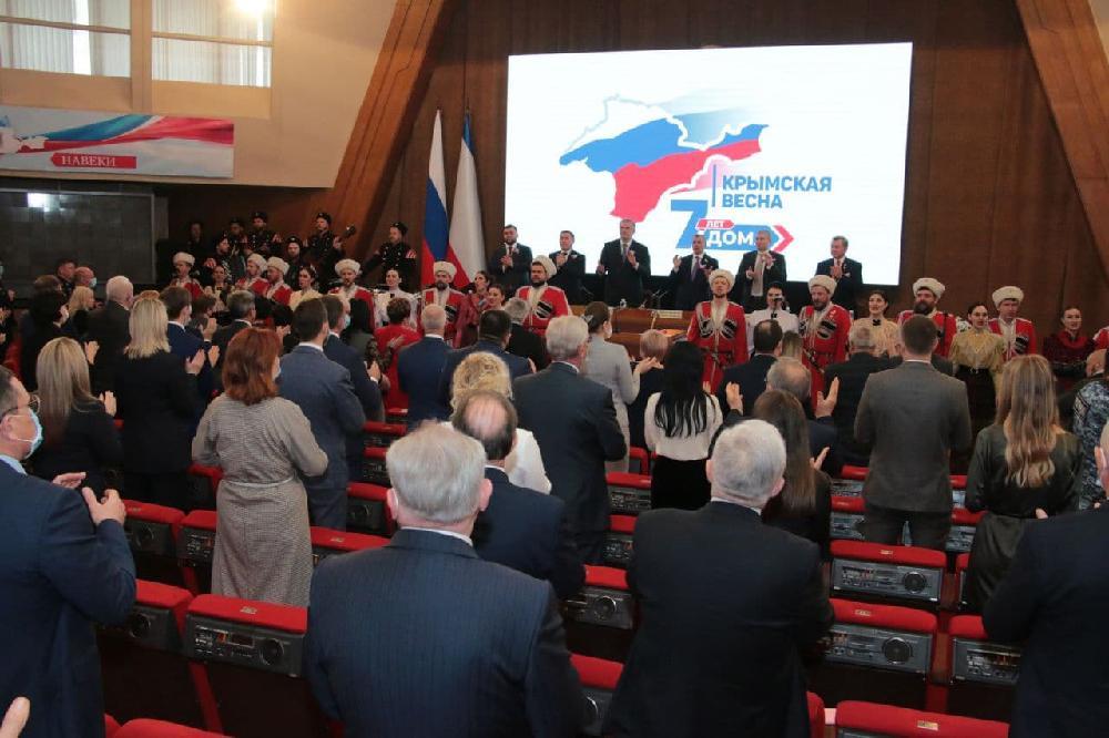 Денис Пушилин: Наша историческая судьба – только вместе с Россией!