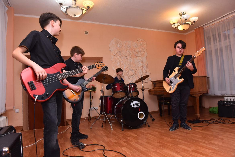 Детский рок-н-ролл из Донецка