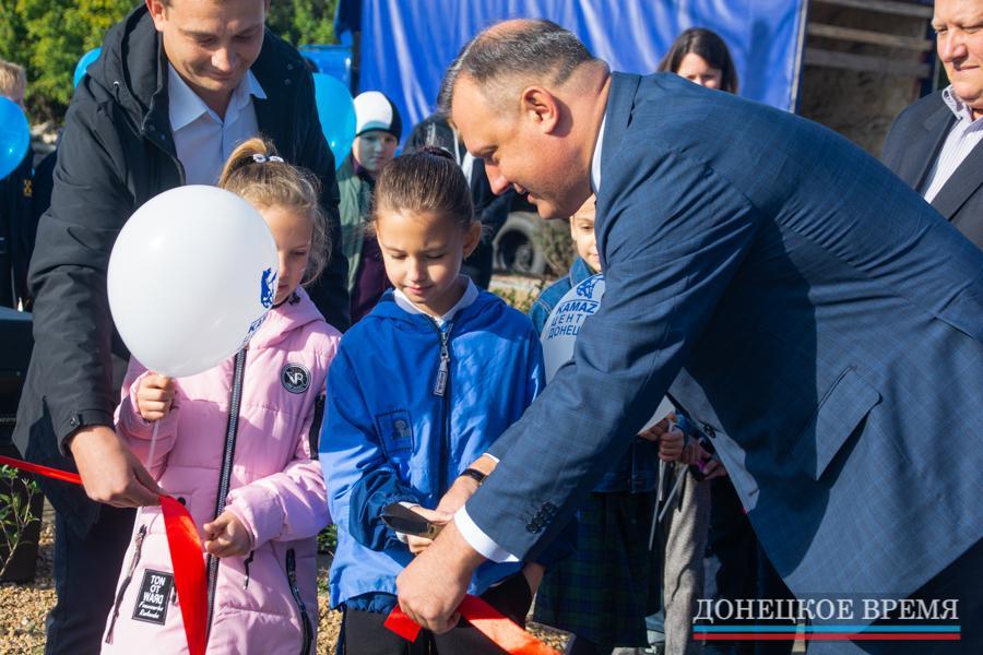 Рядом с трансформерами открылась новая детская площадка (ФОТО)